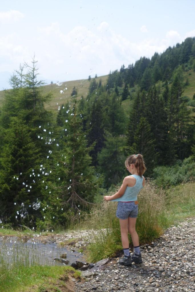 Heerlijk verkoelend dat bergwater op een warme dag.