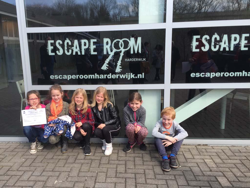 Zes hele blije kinderen. Wat was het leuk bij Kinder Escaperoom Harderwijk!
