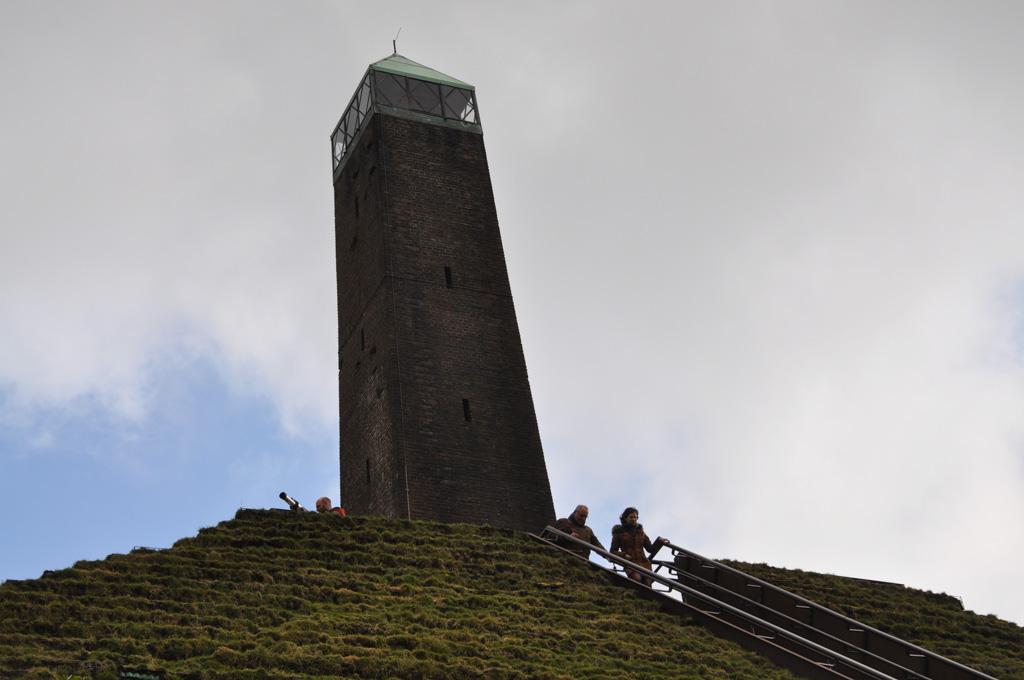 De obelisk.