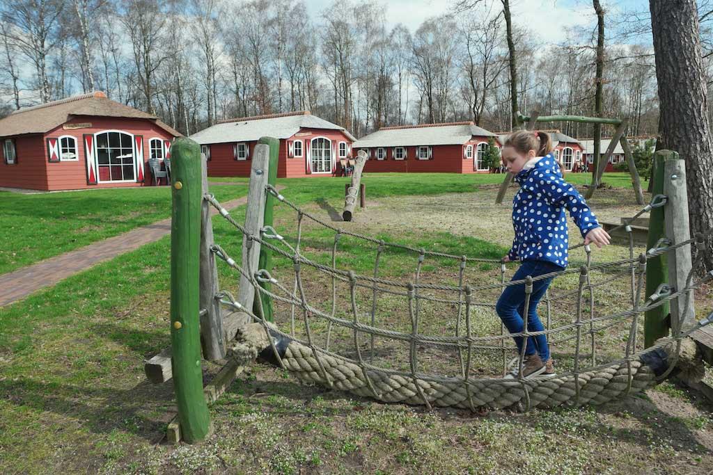 De vakantiewoningen in boerderij-stijl.