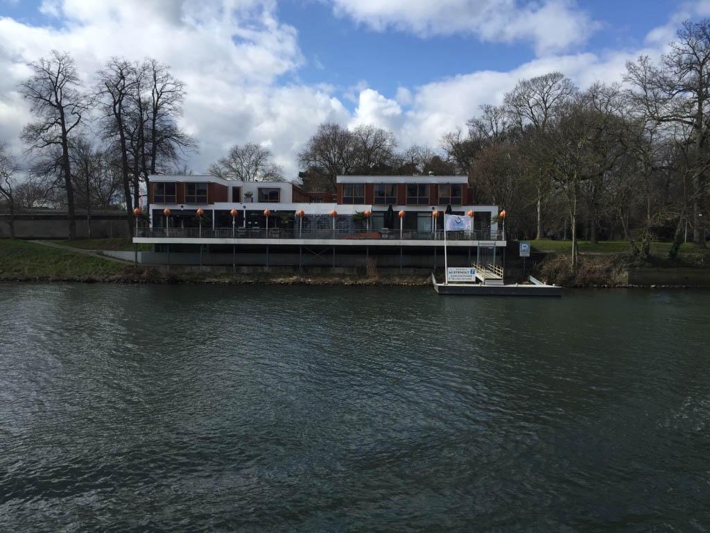 Stayokay Maastricht ligt prachtig aan de Maas.