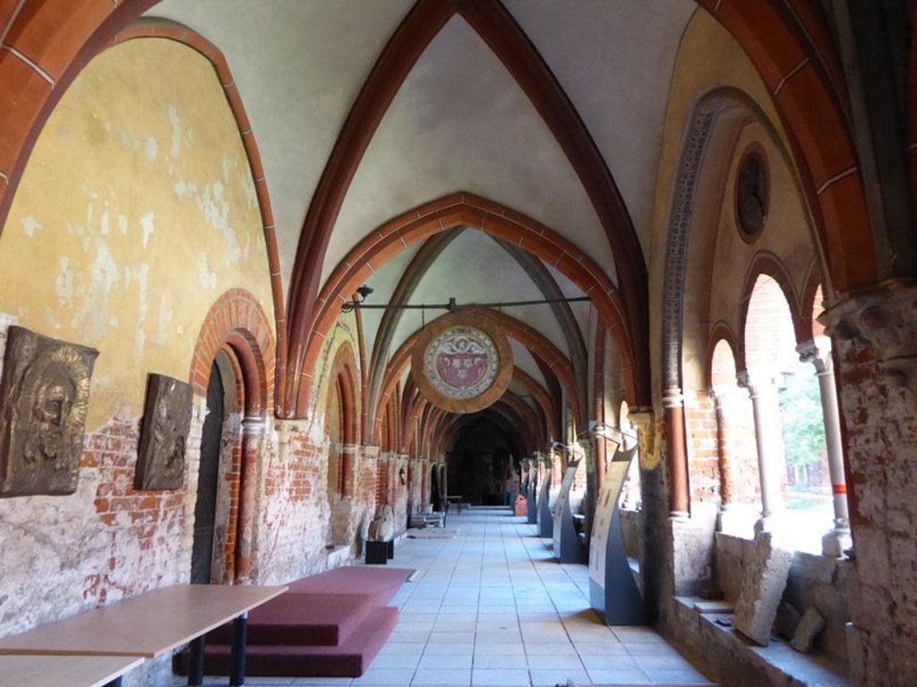 De kloostergangen.