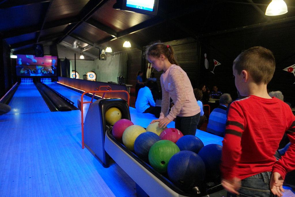 Regenachtige dag? Dan kan je de bowlingbaan huren.