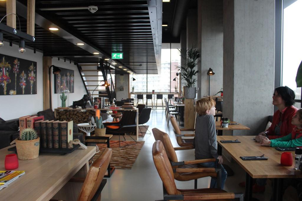 Het mooiste plekje in het gezellige restaurant.