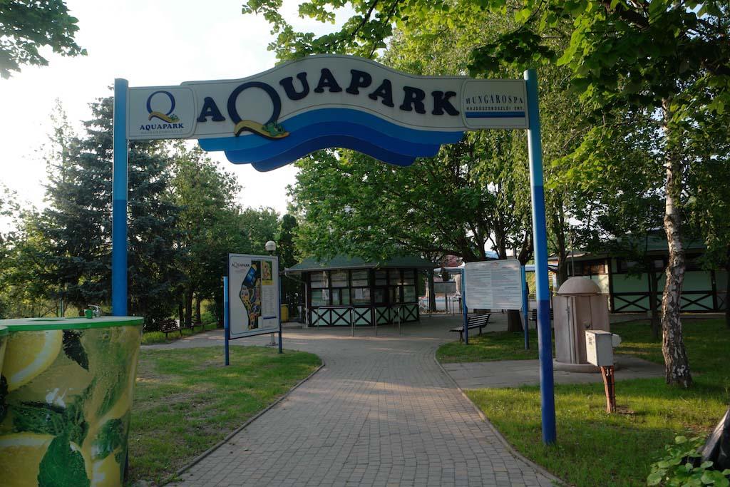 Aqua Park is dicht als ik er 's avonds ben.