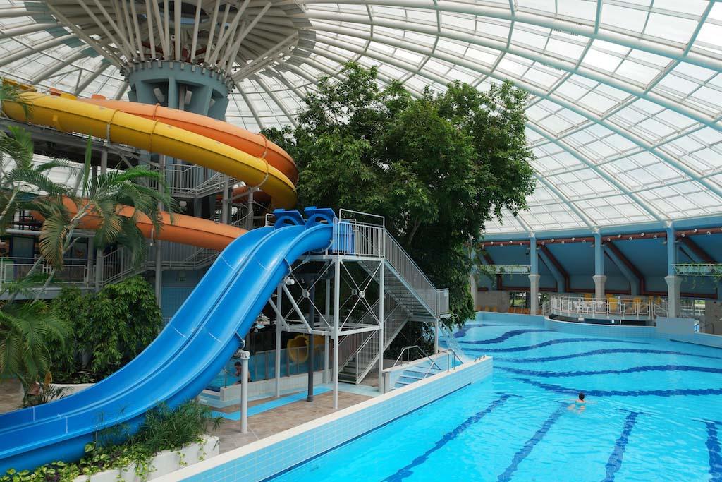 Het zwembad van Aquaticum Hotel.