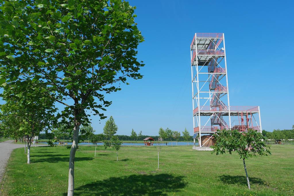 Uitkijktoren met zipline (niet geopend in mei).