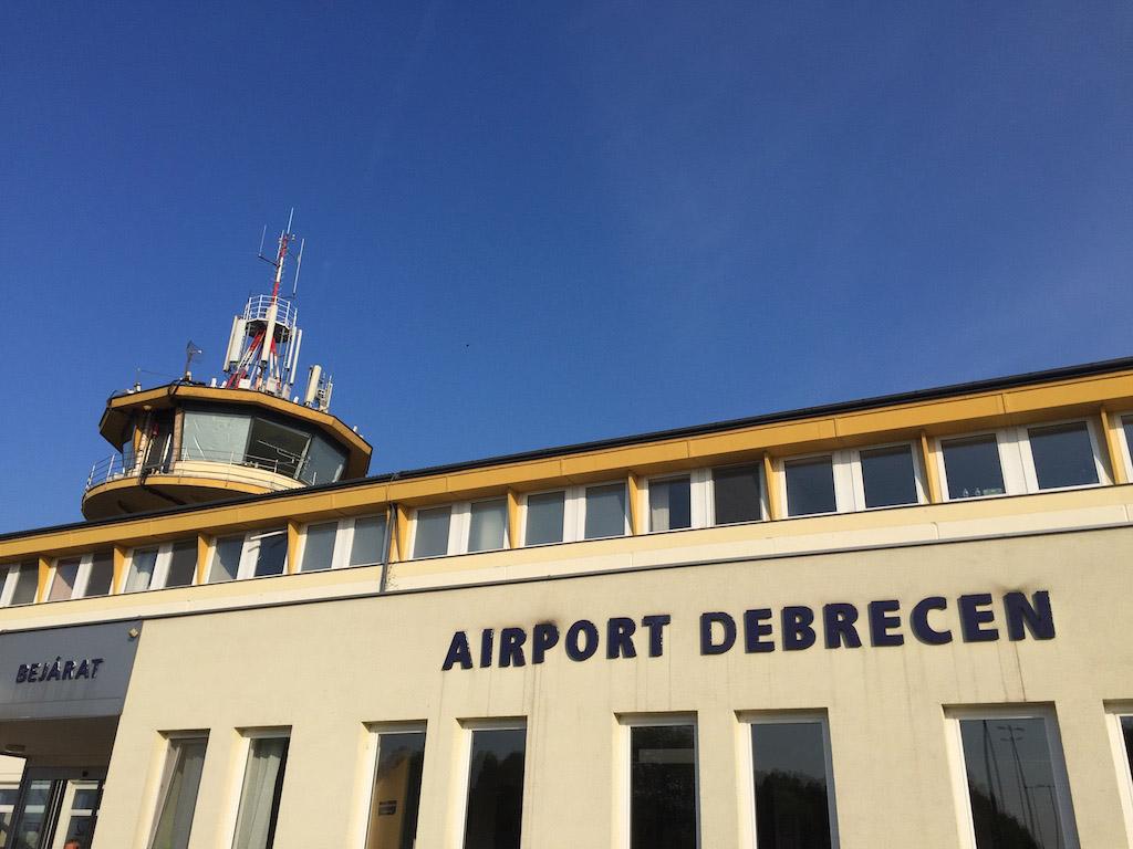 De luchthaven van Debrecen.