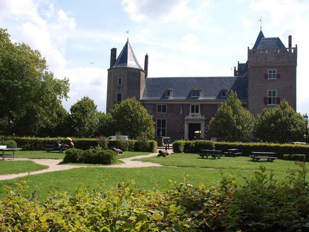 Wij annuleerden onze kampeervakantie in Frankrijk, maar een weekendje Stayokay Heemskerk lukte wel.