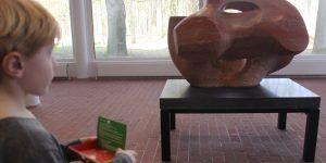Kunst kijken in het Kröller-Müller Museum met kinderen