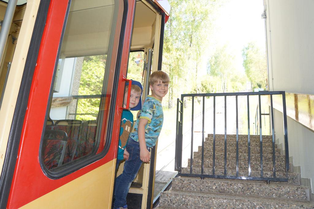 Met de kabeltrein naar de Durlacher Turm.