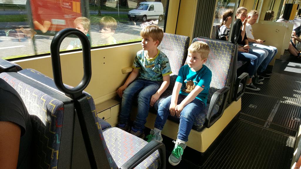 Het openbaar vervoer is goed geregeld in Karlsruhe.