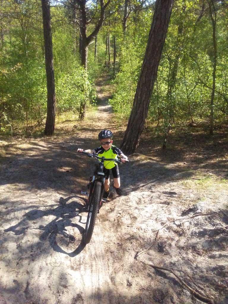 Sommige stukken zijn nog wat lastig om te fietsen voor kinderen.