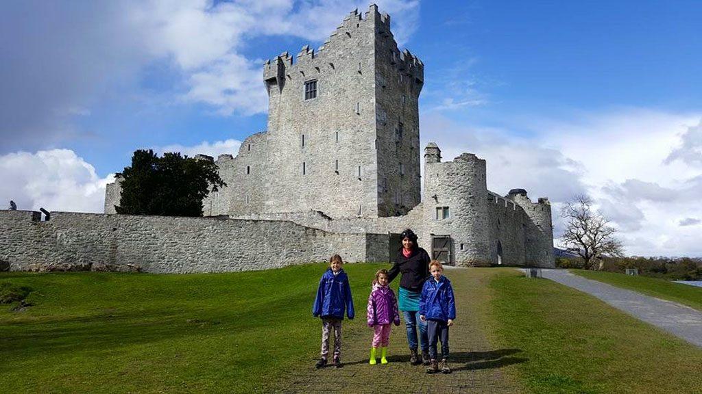 Ross Castle is een toeristische attractie in Killarney, toch is het er opvallend rustig als wij er zijn.
