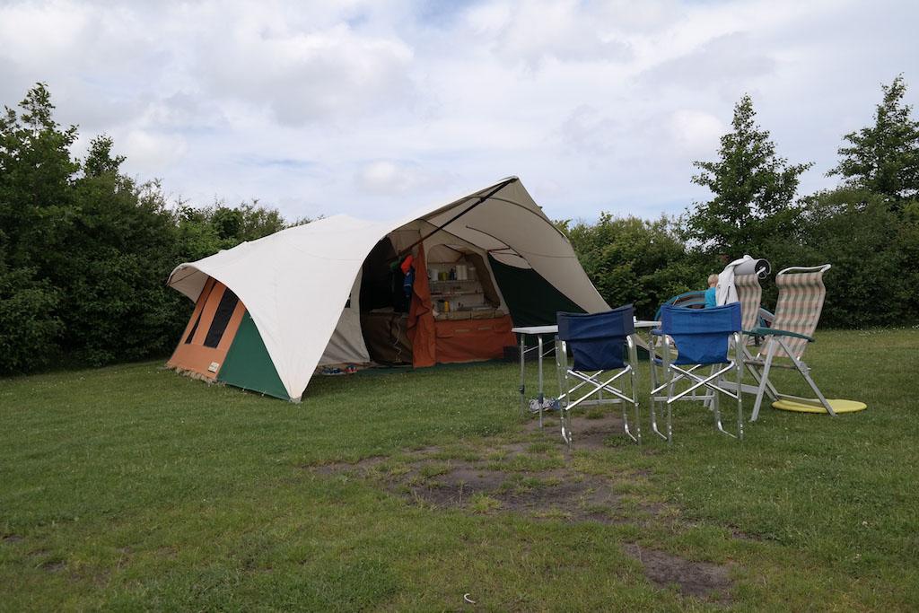We hebben een ruime kampeerplek.