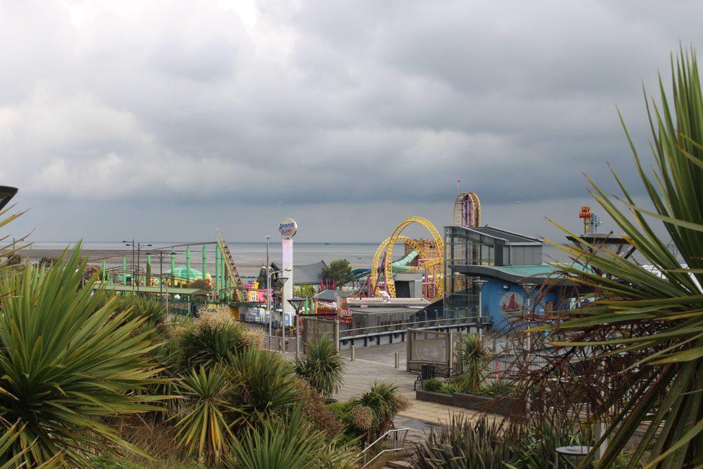 Adventure Island, een groot, gratis toegankelijk pretpark. Je betaalt alleen voor de attracties waar je in wilt.