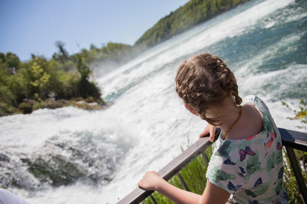 Rheinfall. De breedste waterval van Europa.