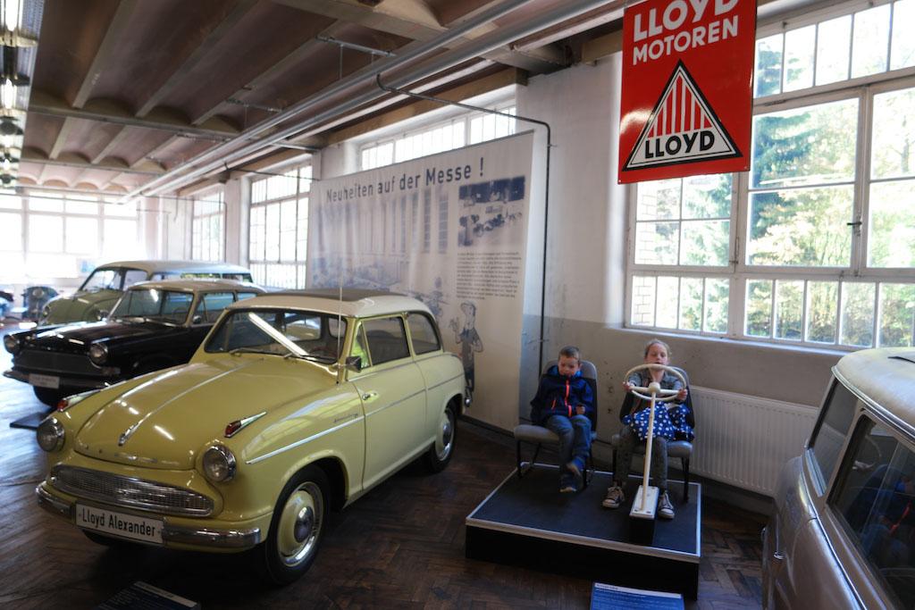 In het Automuseum.