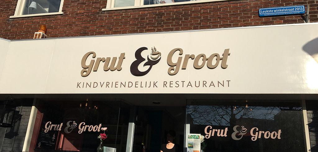 Op de gevel staat het al: Grut & Groot is een kindvriendelijk restaurant.