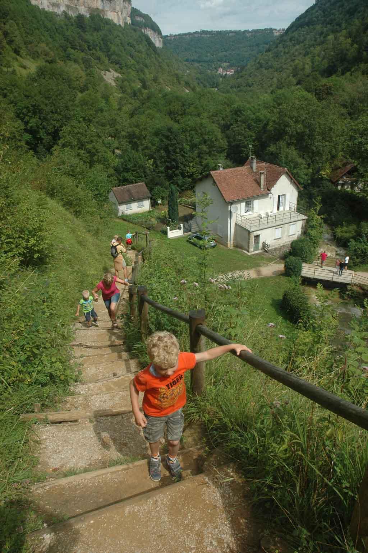 De klim omhoog naar het begin van de waterval.