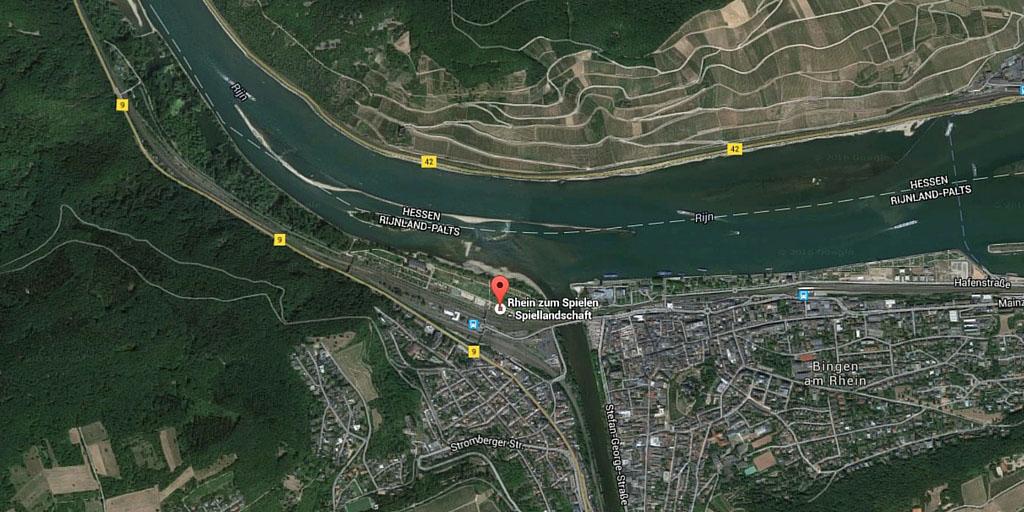Luchtfoto speelgebied Bingen am Rhein (bron: Google Maps).