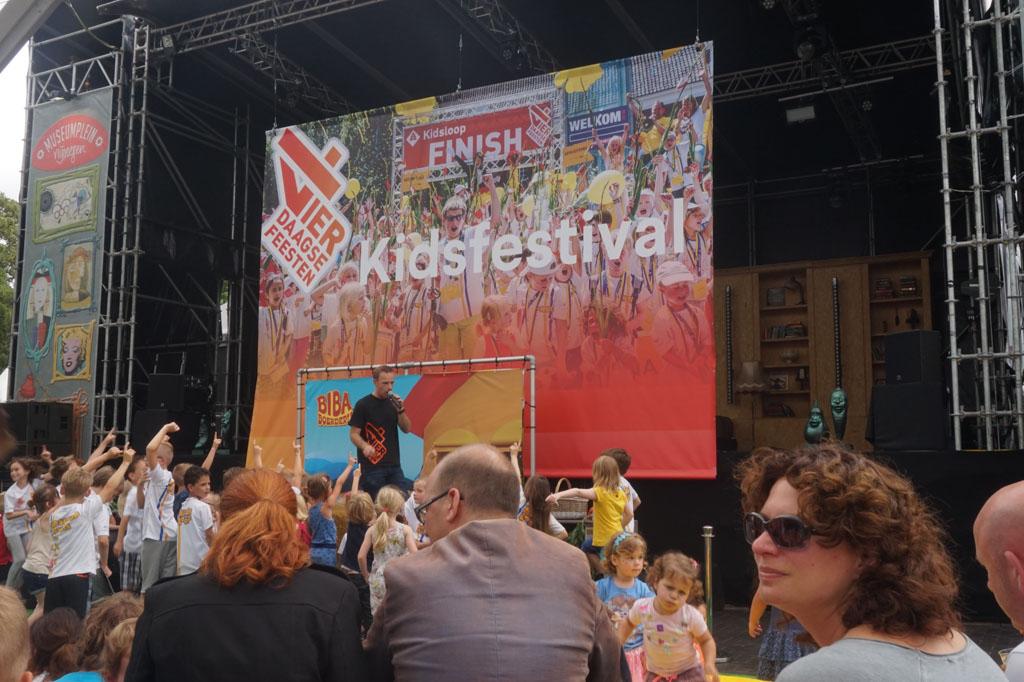 Kidspodium op Kelfkensbos.