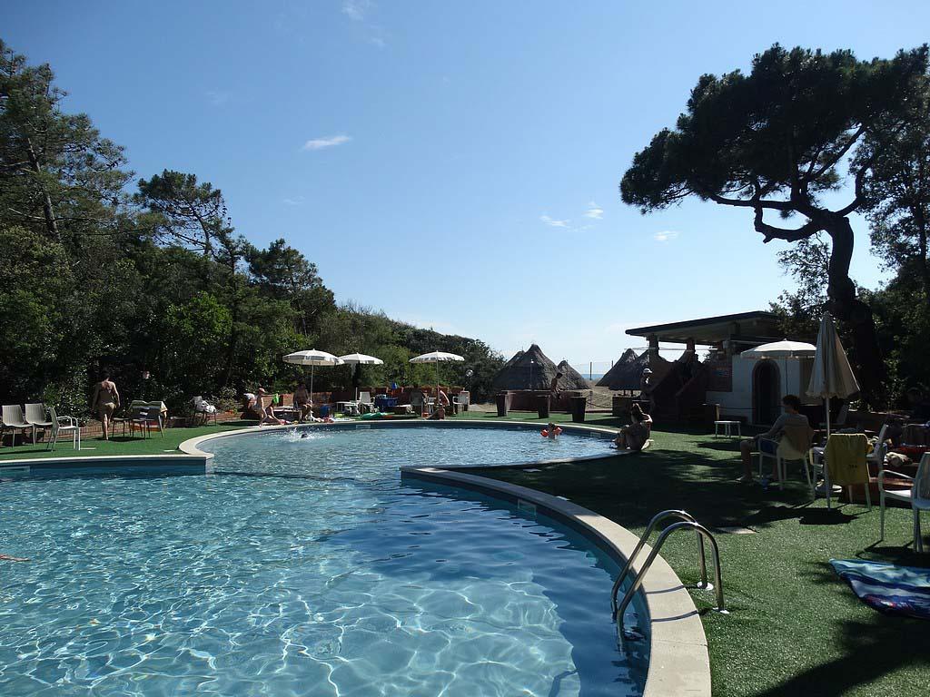 Het zwembad op Paradu Tuscany EcoResort.