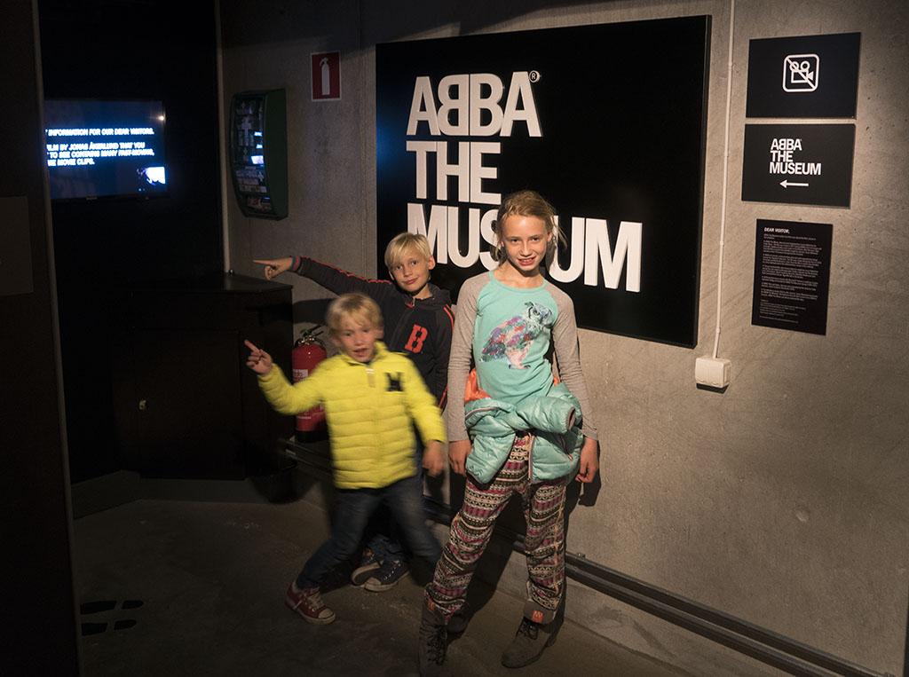 De ingang van het Abba-museum.