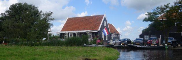 Vanaf Theetuin Overleek met een fluisterboot door Waterland