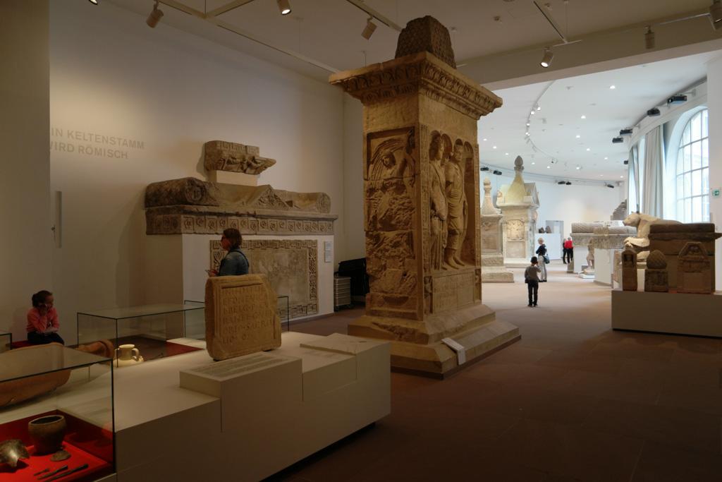 In het Landesmuseum zijn veel historische resten te bewonderen.