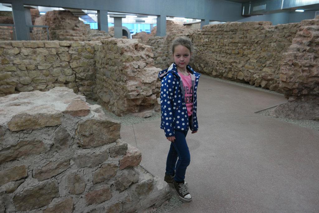 Overal oude muren.