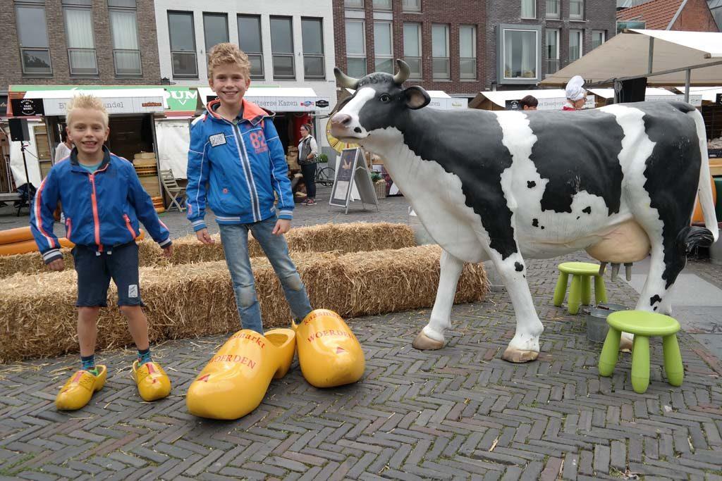 De Woerdense Kaasmarkt is kleinschalig en knus.
