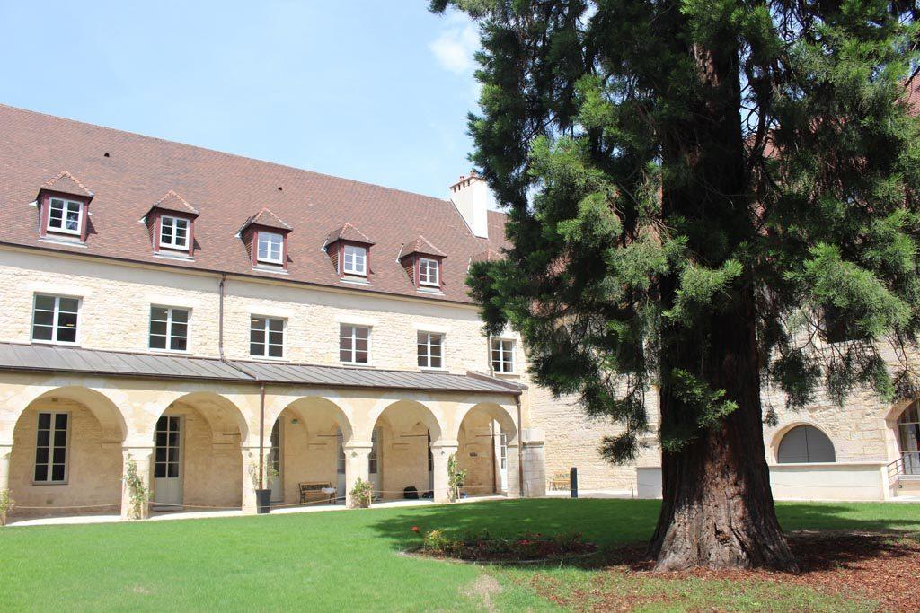 Ons hotel in het centrum van Dijon was vroeger een klooster.