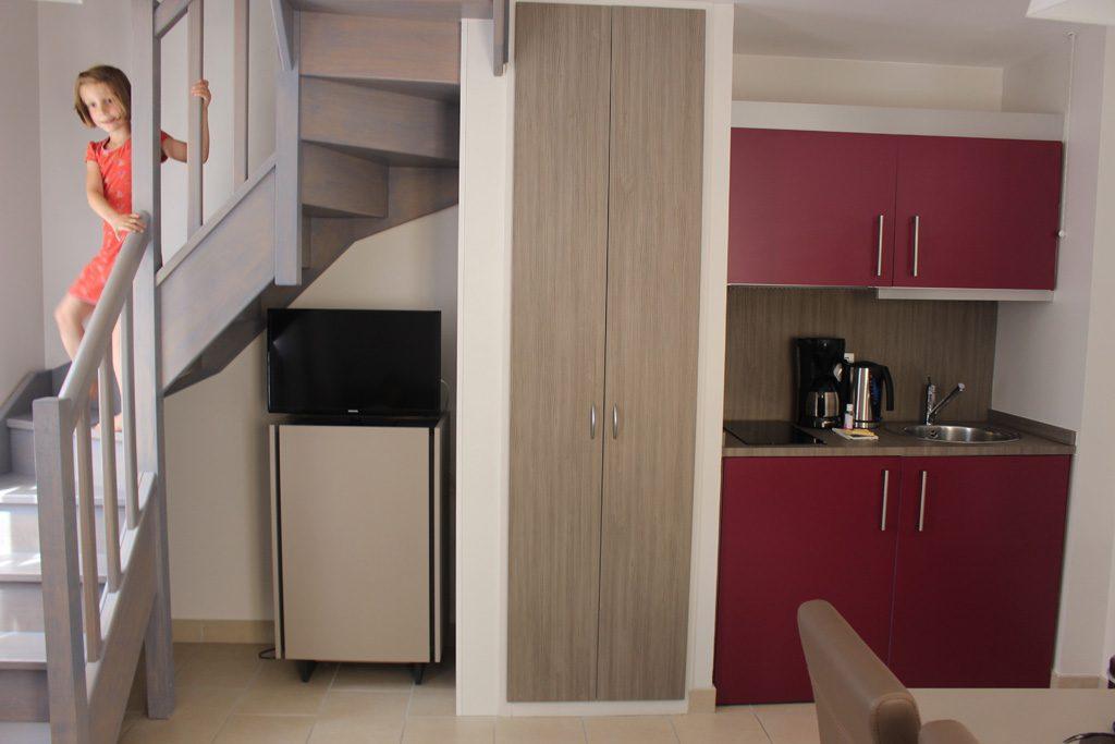 Met een bovenverdieping waar de comfortabele bedden staan.