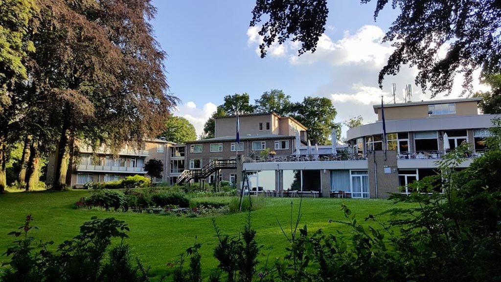 Bijkomen van de drukke stad in de groene omgeving van Fletcher Parkhotel Val Monte in Berg en Dal.