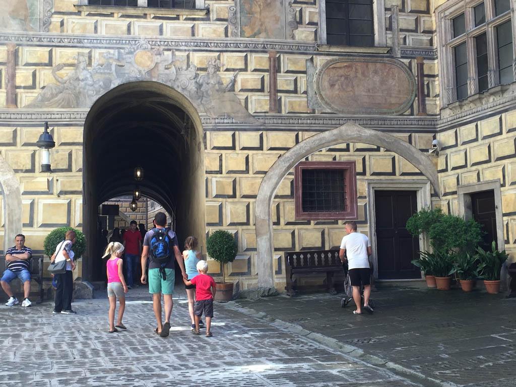 De hele stad bestaat uit prachtige oude gebouwen.