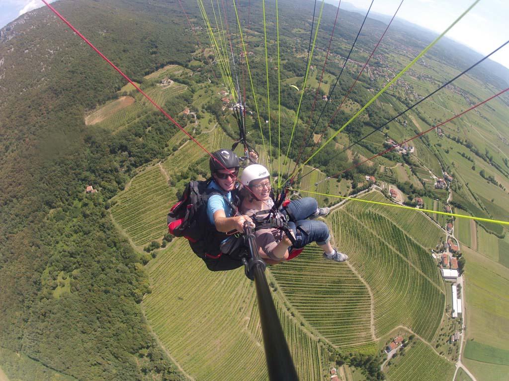 Wat een ervaring om aan een scherm door de lucht te vliegen.