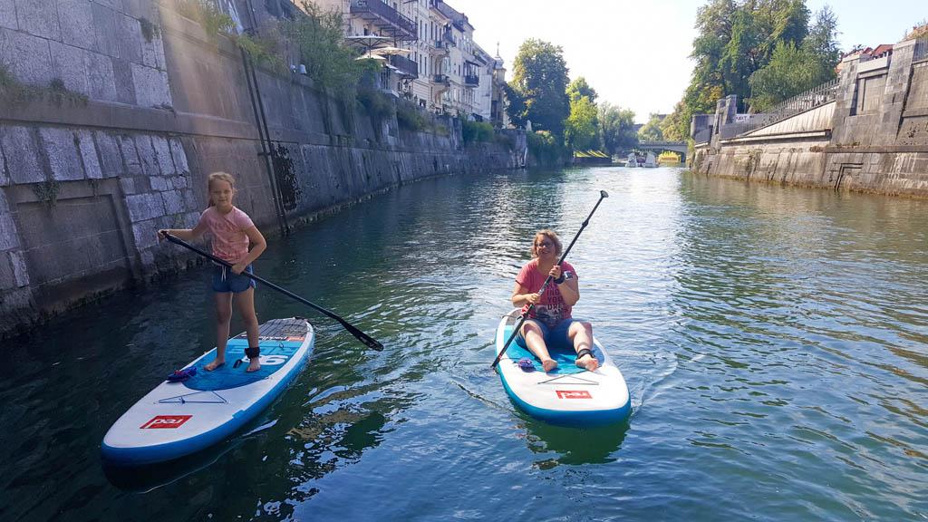 Wat genieten we van de SUP tour door Ljubljana.