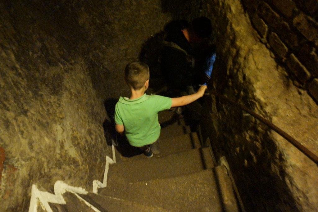 Op weg naar de ondergrondse gangen.