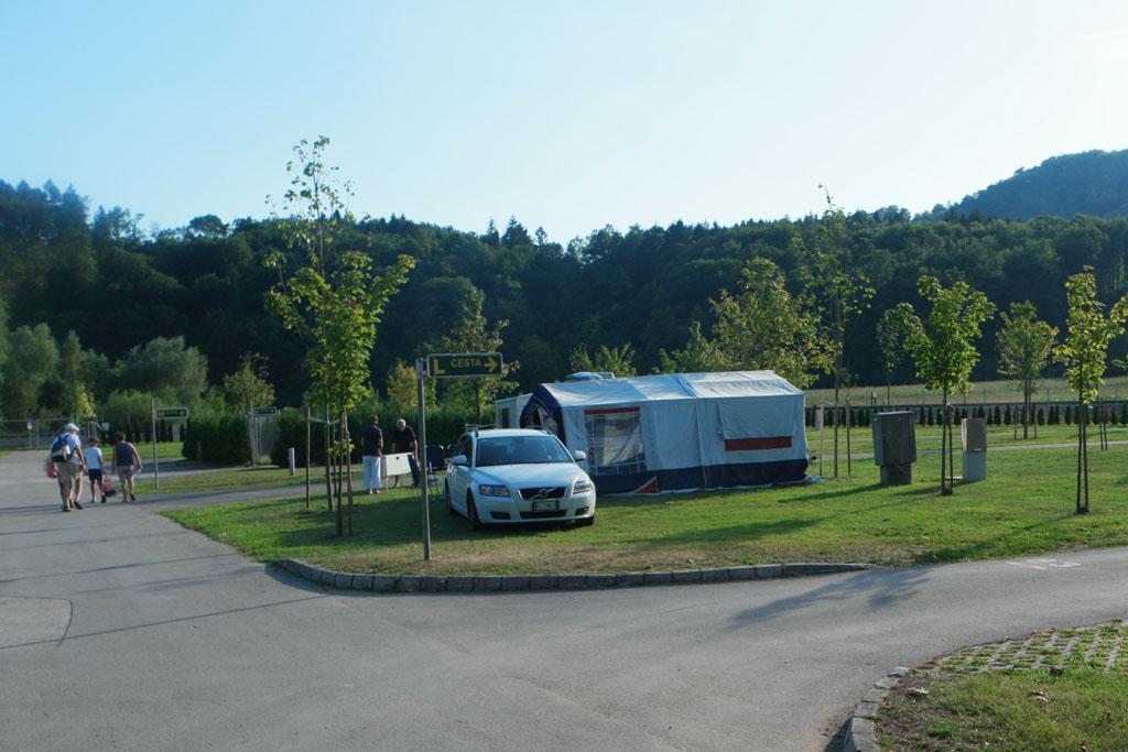 Het kampeerveld is eenvoudig.