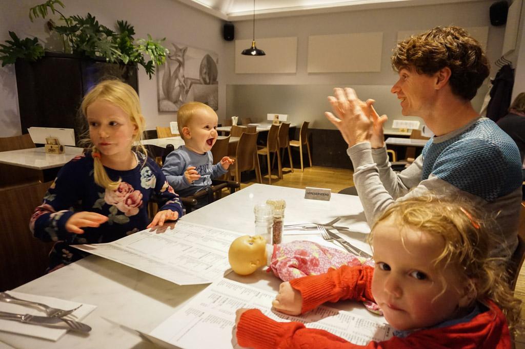 Met kinderen eten bij 't Vosken