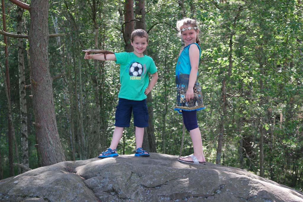 Wandelen in Nationaal Park Store Mosse is een avontuur voor kinderen.