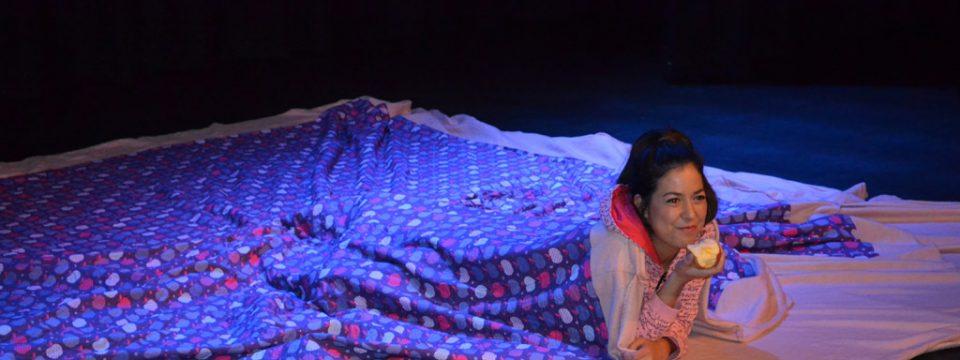 Peuterpret bij theater Orpheus met de voorstelling 'Nog lang niet moe'