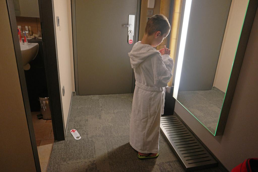 Via ondergrondse gangen kunnen we in onze badjas naar het zwembad en de wellness.