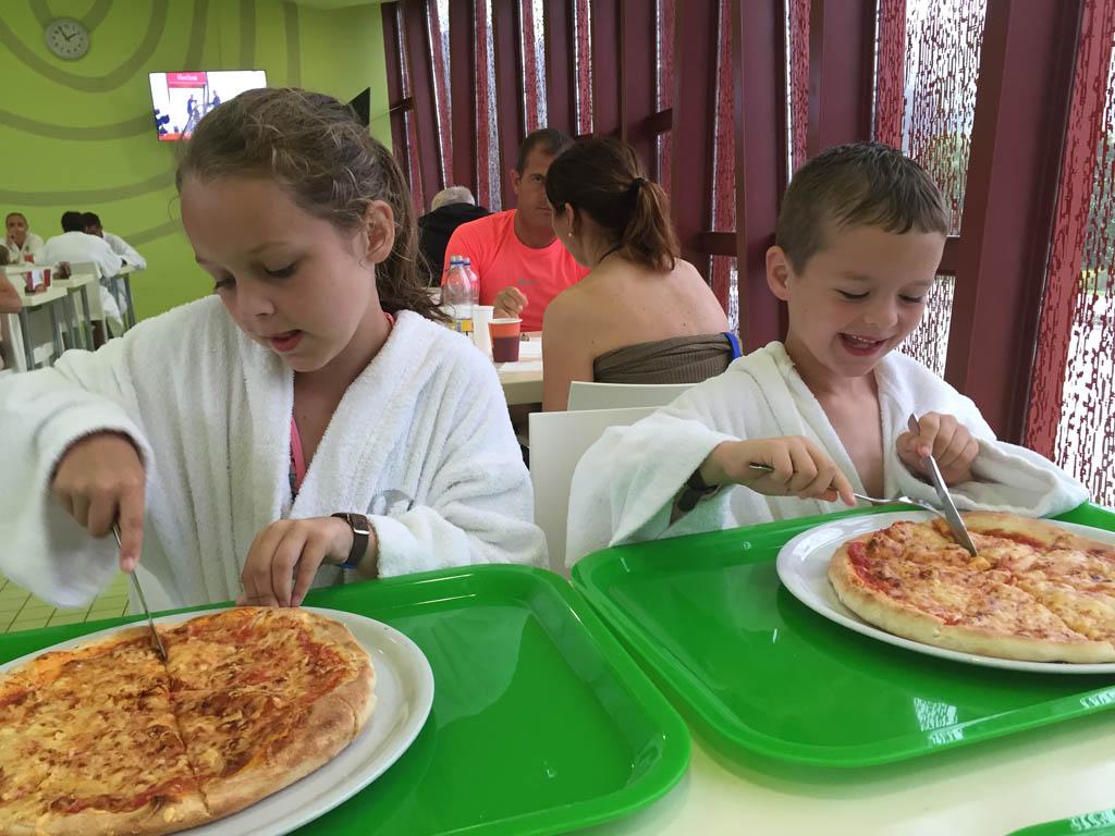 Oeps, die pizza is iets te groot.