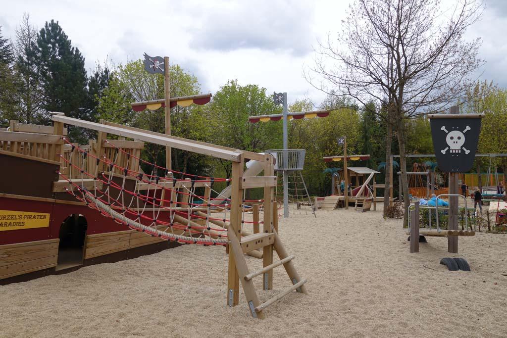Naast dierentuinen en attracties zijn er ook mooie speeltuinen in het Eifelpark.