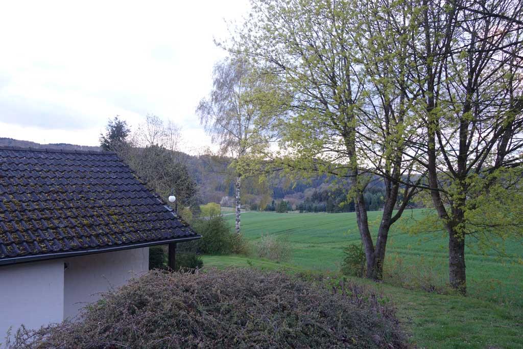 Het uitzicht vanaf het huisje is prachtig.