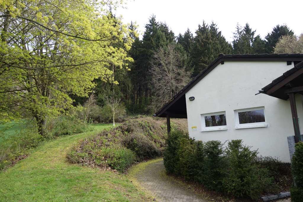 De eifel een prachtige vakantiebestemming voor gezinnen for Klein huisje in bos te koop