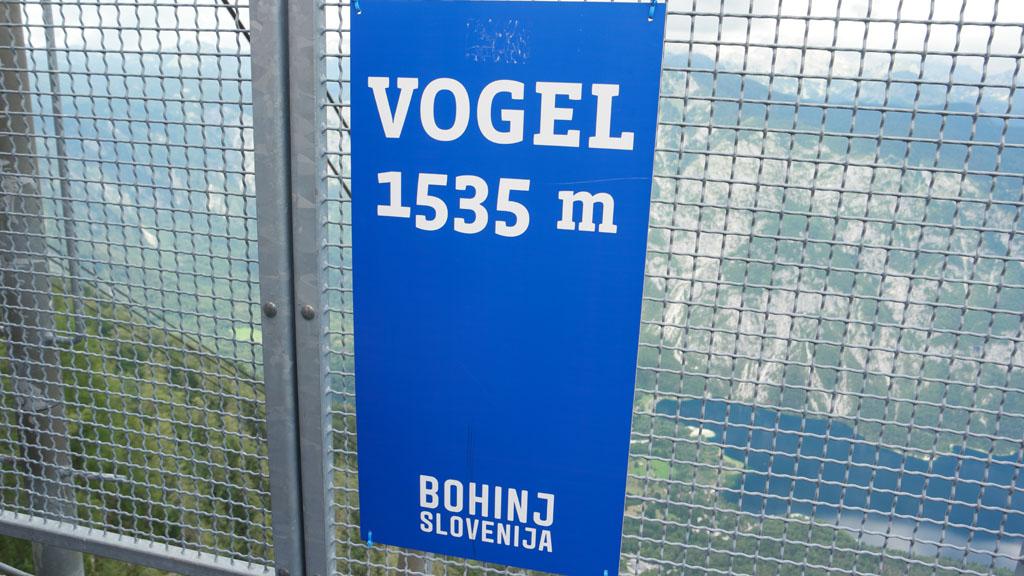 1535 meter hoog.