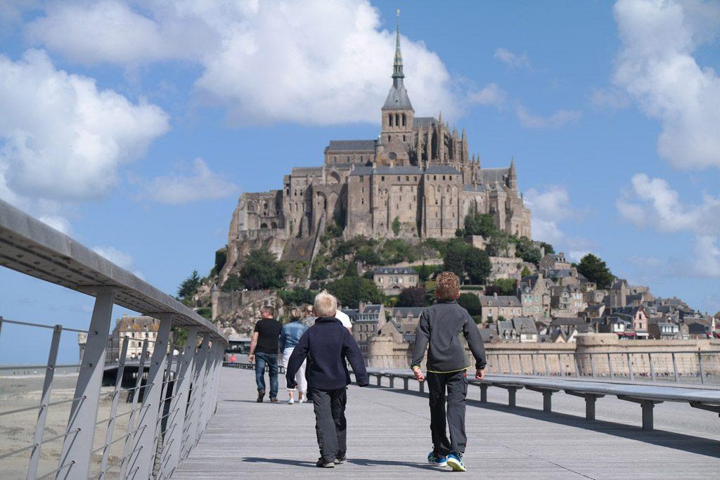 Wandelend naar Mont Saint Michel.